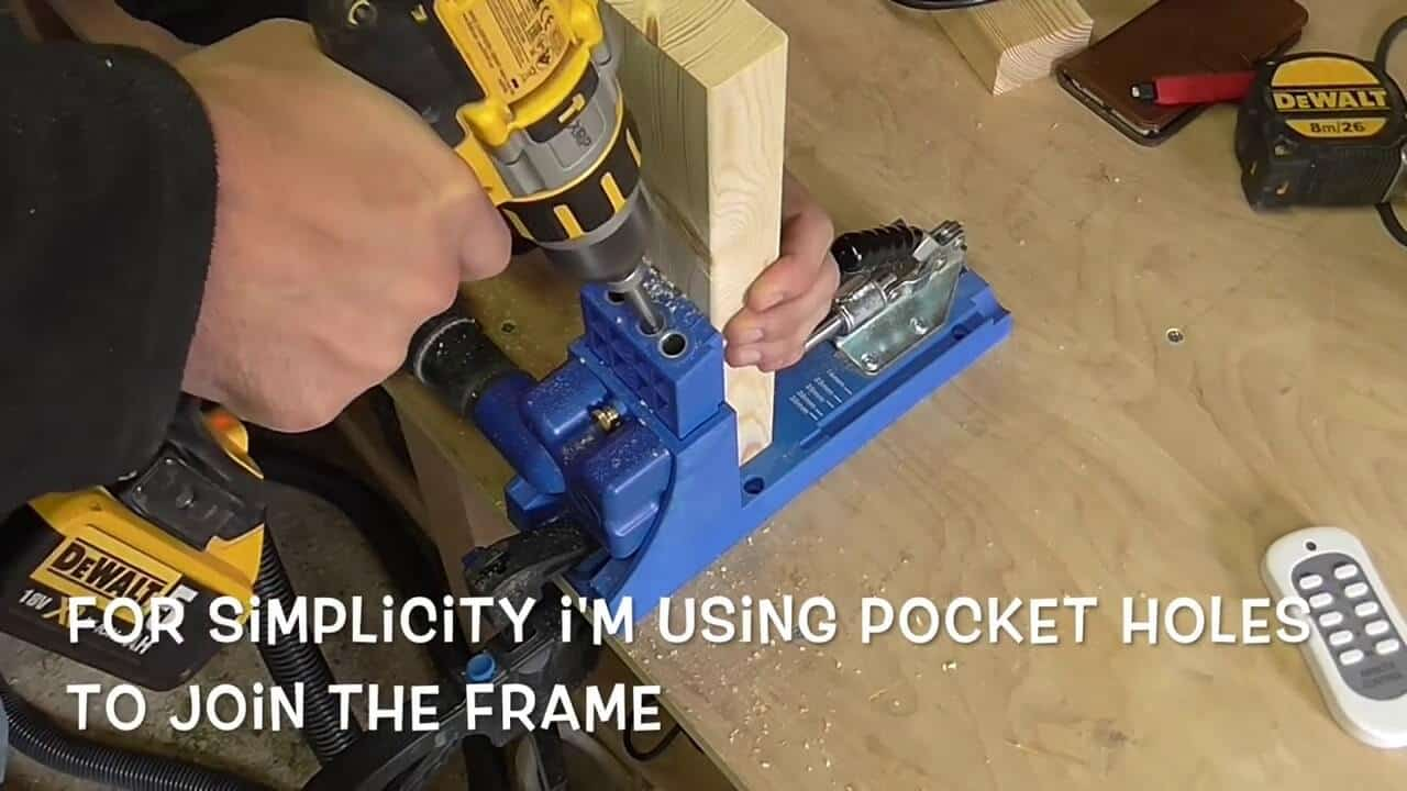 Cutting hole pocket hole jig