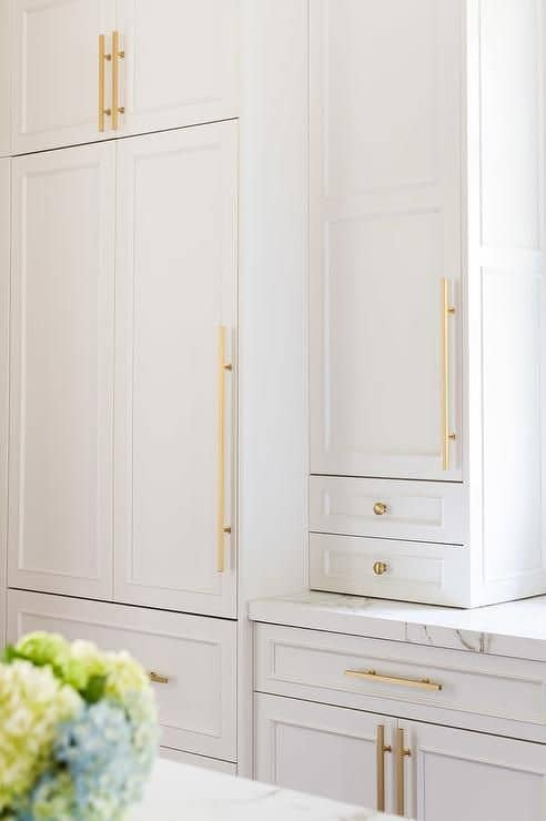 15 White Kitchen Cabinet Hardware Ideas With Images