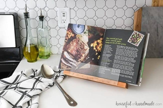 diy-cookbook-stand